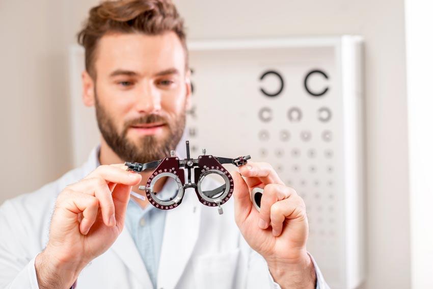 """Telelavoro e didattica a distanza, attenzione alla """"Computer Vision Syndrome"""""""