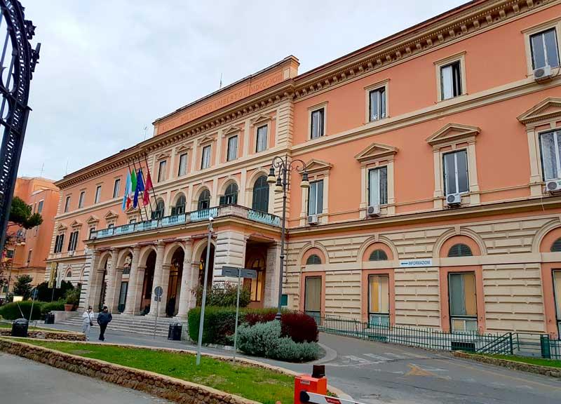 Aggressioni no Green Pass a Umberto I e Cgil, l'Ordine di Roma condanna gli attacchi e chiede misure per proteggere i professionisti della sanità